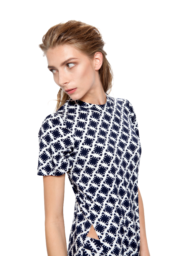 Fractal Flower Double T _ Navy + White _ Riachi Studio Collection 001